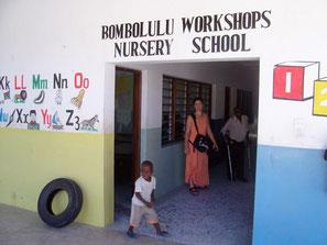 Eingang der Bombolulu Krankenschwesterschule
