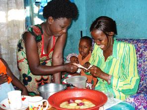 Einheimische kochen zu Hause in Mombasa