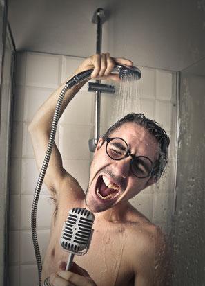und... wie klingt es unter DEINER Dusche?