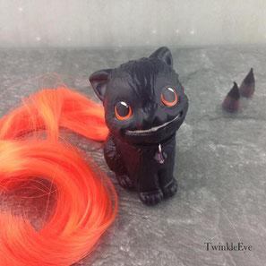 #twinkleeyeslittlegems #cheshirecat #sculpture #fimoclay