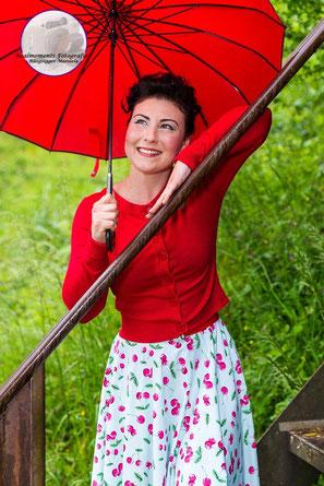 Annakonda Rockabilly & Vintage Store Luzern Hellbunny Popsoda Cherryskirt Redcardigan Vintageumbrella