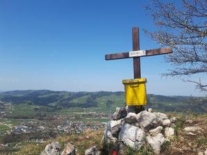 Bräumauer Gipfelkreuz über Scharnstein im Almtal