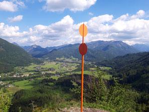 Gipfelmarkierung am Gumsenkogel am Rückweg vom Bauernkogel