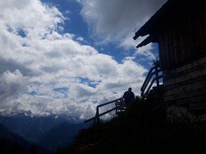 Am Weg zum Großen Raschberg, Einkehr bei der Raschberghütte