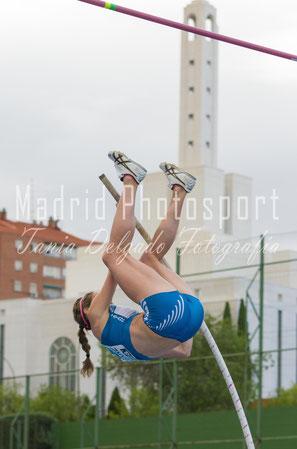 fotografia deportiva, atletismo, pértiga, tania delgado fotografia, naroa aguirre