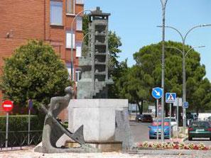 Escultura de José Luís Fernandez, instalada en Torrejón de Ardoz.