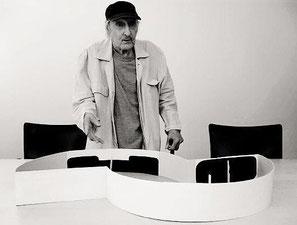 Matias Spescha bei der Präsentation seines OGNA - Modells 2007