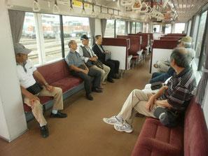 伊勢鉄道車内風景 10名参加 運賃460円?