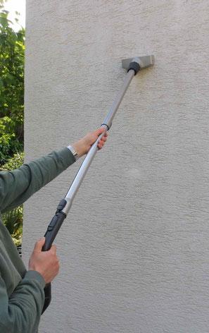 fassade reinigen - efeu entfernen - fassadenbürste mit absaugung