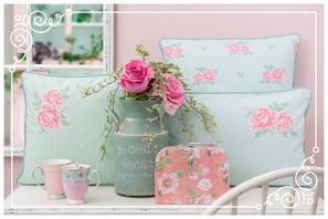 Landhausträume, Tassen, Koffer, Vase, Blumen, zarte Farbtöne, Deko, Brakel, Dekoration, Clayre & Eef