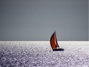 skipper-skippage-convoyage-transfert-bateau-port-à-port-livraison-par-la-mer-toutes-distances-toulon-var-paca
