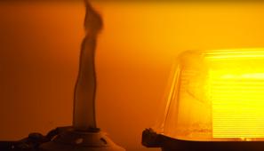 Gasförmiges Metall das Licht schlucken kann?
