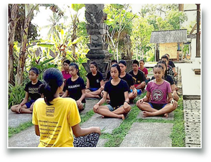 Yoga class, retreat, volunteer volunteering, internship, Bali, Samsaman, local teacher