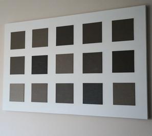 keilrahmenbild mit verschieden abgetönten bildplatten