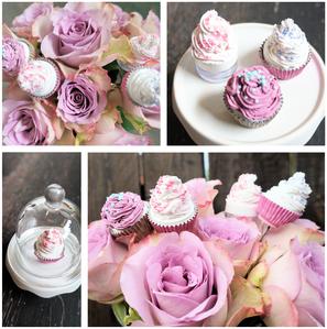 sweet little cupcakes... ...aus alten knöpfen, blumendraht, minidöschen, acryl & klitzekleinen perlchen...
