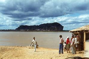 Bom Jesus da Lapa, Bahia, no bridge in 1979 / Bom Jesus da Lapa, Bahia, não havia ponte em 1979