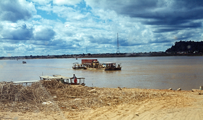 Ferry at Bom Jesus da Lapa, Rio Sao Francisco, Bahia 1979 / Barco de travessia em Bom Jesus da Lapa, Rio Sao Francisco, Bahia 1979