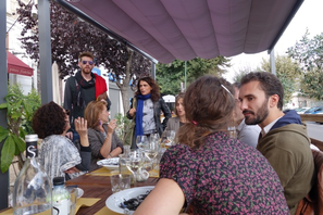 De face: Gerome Bouda, Maria Francesca Valentini, David  Yon. De dos Mélanie Pavy, Michele Casalta, Jeanne Guerra.