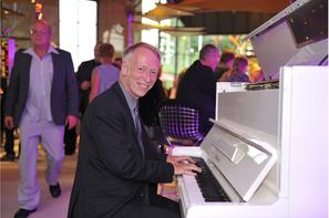 Pianist Eric Richards