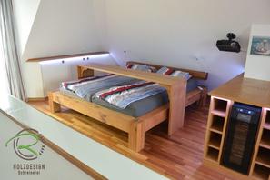 Einbaumöbel in Dachschräge für den Schlafbereich