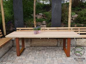 Individualisierbarer Gartentisch mit Lärche Dielen u. Metalltischgestell