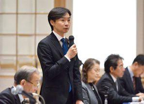 2月の全政連総会で挨拶する宮本議員。「商工政治連盟が求める課題の改善を実現していきたい」
