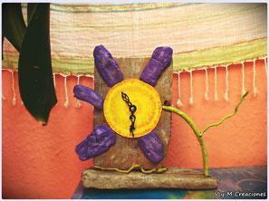 reloj flor, flor, madera de mar, vymcreaciones.com, vymcreaciones, driftwood clock, driftwood, etsy