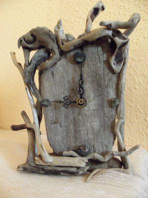 Olivinas, madera de mar, reloj de mesa, reloj madera, driftwood clock, vymcreaciones.com, vymcreaciones, madera del mar, driftwood