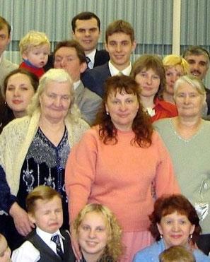 Роман будучи Свидетелем Иеговы (вверху), 2006 год