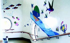 豊橋の保育園の階段壁面の装飾事例