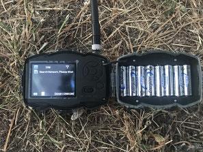 Tiene capacidad para 8 pilas AA que son pocas si le damos un uso regular