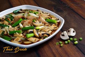 Moo Phad Nam Man Hoi; ; Thai Baan Neudorf; Yupin Seidel; thailändischer Kochservice; Foodtruck; Kochkurs, Thaifood, gesunde Ernährung, Restaurant