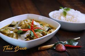 Geang Khiaow Waan Gai; ; Thai Baan Neudorf; Yupin Seidel; thailändischer Kochservice; Foodtruck; Kochkurs, Thaifood, gesunde Ernährung, Restaurant
