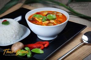Tom Yam Gai; Thai Baan Neudorf; Yupin Seidel; thailändischer Kochservice; Foodtruck; Kochkurs, Thaifood, gesunde Ernährung, Restauran