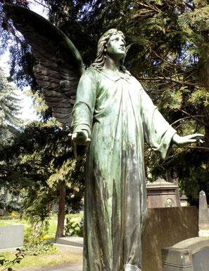 Alter Katholischer Friedhof Dresden Engel Grab Pleyl Künstler: Pohlmann Bild: Susann Wuschko