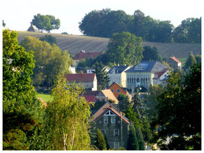 Blick zurück über Lotzdorf auf den Schafberg