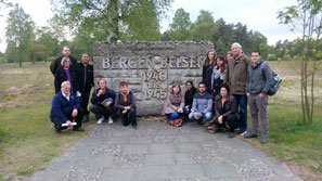 """Der gemeinsame Besuch in Bergen-Belsen war für alle Teilnehmer ein bewegender Moment - """"Geschichte ist, was uns zusammenführte, Freundschaft ist, was uns heute verbindet"""""""