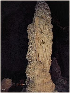 Die Grotten von Toirano (hier: Ein schöner Stalagmit)