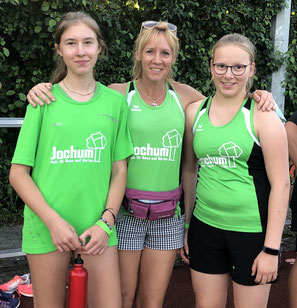 Nutzten die Chance zum Wettkampf: vl Joelyn Kropka, Trainerin Susanne Kropka und Juliane Joas