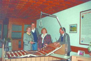 Auch die Walchseer Frauenbewegung spendete zum Start zwei motorische Pflegebetten für das Heilbehelfslager