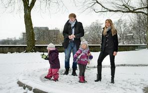 Die Familie von CVP-Generalsekretärin Beatrice Wertli und Preisüberwacher Stefan Meierhans.