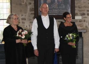 v.l.n.r.: Sybille Hempel-Abromeit, Kiwanismitglied Marc Fiedler, Corinna Tjiang