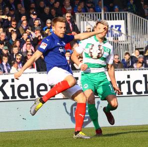Hauke Wahl rettet mit seinem Treffer den Punkt für Kiel.
