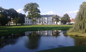 Das Schinkel-Schloss und der Lenné-Park in Neuhardenberg