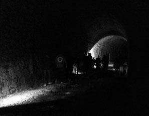Duster und grauslig im alten Eisenbahntunnel...