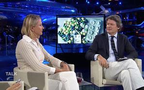 Cornelia Stolze (Krank durch Medikamente) in TV-Talk-Show 'Talk im Hangar-7' bei ServusTV am 25.06.2015