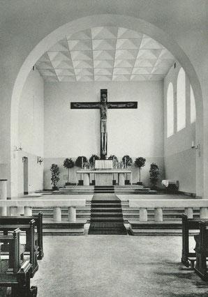 Altarraum der vollendeten und geweihten Kirche