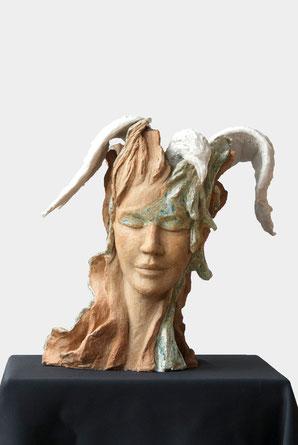 Portrait femme et oiseau, céramique, White Phoenix woman
