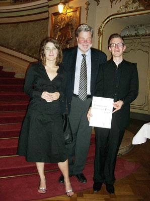 Bei der Preisverleihung: Daniela Juckel, Lars Tibell, Johannes Gleim