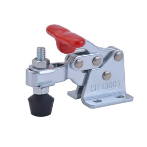 Compact toggle clamp